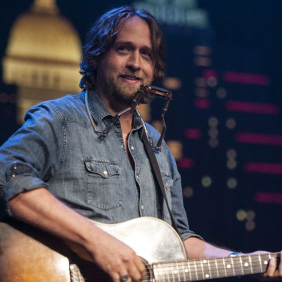 """<a href=""""https://www.axs.com/artists/204491/hayes-carll-tickets"""">The Bowery Presents</a>"""