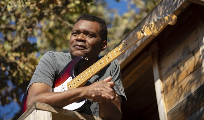 Robert Cray tickets at Billy Bob's Texas in Fort Worth
