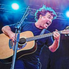 Keller Williams tickets at Riverfront Live in Cincinnati