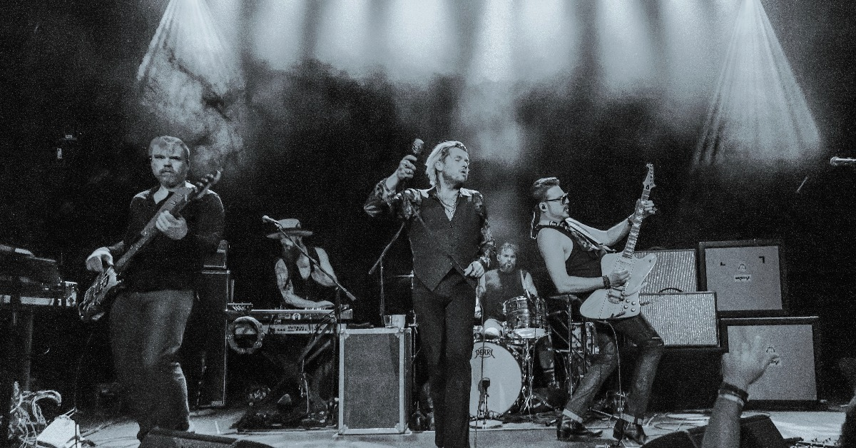RIVAL SONS MOVED TO VIC THEATRE